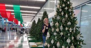 Tradicija tęsiama: lietuviški šiaudinukai vėl papuošė Kalėdų eglutes Čikagoje