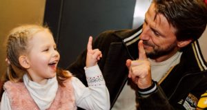 """""""Išsipildymo akcijos"""" ambasadoriais tapę P. Vanagas ir M. Drobiazko kviečia sergantiems vaikams dovanoti stebuklą"""