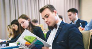 Dėmesio finansiniam raštingumui stygius mokyklose – problemų kompleksas ateityje