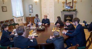 Prezidentės kėdė – ateities lyderiams
