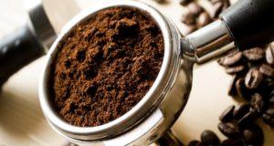 Neskubėkite išmesti: kavos tirščiai – itin vertinga atlieka
