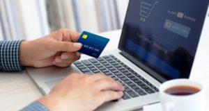 5 auksinės taisyklės, kaip apsisaugoti nuo fiktyvių internetinių parduotuvių
