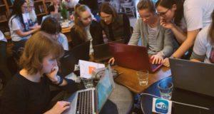 Programavimo praktikos neturėjimas netrukdo: lietuvės sukūrė beglobių gyvūnų paieškos platformą