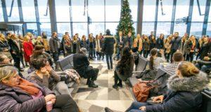 Stoties keleiviams – netikėtas kalėdinis pasirodymas