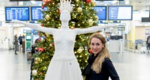 Kalėdinę atmosferą Vilniaus oro uoste kuria unikalus meninis projektas