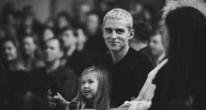 Jaukiame D. Montvydo koncerte – šeimos palaikymas ir netikėtas duetas