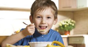 Ar žinote, kiek kalorijų per dieną turėtų suvartoti jūsų vaikas?