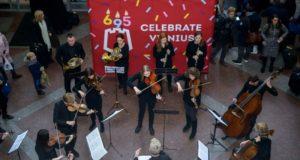 Kaip savo gimtadienį šiandien švenčia Vilnius?