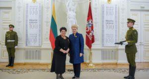 Valstybiniai apdovanojimai – šimtui Lietuvai nusipelniusių žmonių