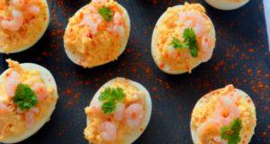 Krevetėmis įdaryti kiaušiniai