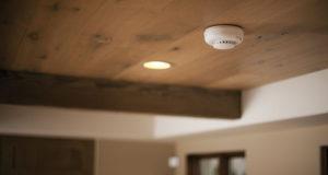Privalomi autonominiai dūmų detektoriai namuose: ką svarbu žinoti?