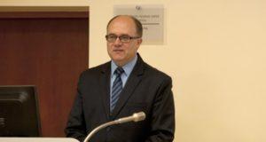 """Premijos laureatas V. Kavaliauskas: """"Dirbdamas pedagoginį darbą visiškai nepavargstu"""""""