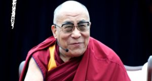 """Lietuvoje viešėsiantis Dalai Lama XIV: """"Kad būtume laimingi, turime išmokti norėti to, ką turime, o ne turėti tai, ko norime"""""""