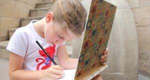Ką tėvams apie vaiką gali atskleisti jo piešiniai