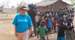 Žymūs žmonės kviečia prisidėti prie gerumo misijos