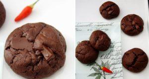 Šokoladiniai sausainiai su aitriosiomis paprikomis