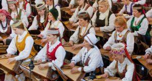 Dainų šventės koncerte prabils šimtai kanklių