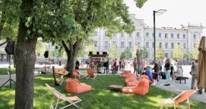 Vilniuje atidaryta unikali skaitykla po atviru dangumi
