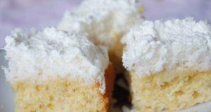 Pyragas su kokosų sluoksniu