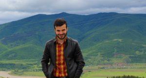 Kai pritrūksta žodžių, Lietuvoje studijuojantis gruzinas deklamuoja lietuvišką poeziją