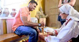 Meilės emigrantas iš Šri Lankos tapo naujos kulinarinių kelionių laidos vedėju
