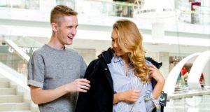 Stiliaus triukai: kaip darbo biure aprangą pritaikyti laisvalaikiui?