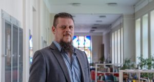Daugybę talentų turintis ir Lietuvoje dėstantis škotas: kaip suderinti skirtingas veiklas ir visose pasiekti sėkmę?