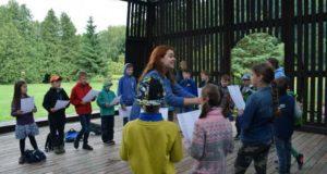 Sutartinės vaikams leidžia atrasti ryšį su istorija ir vieni kitais