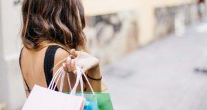 Kur Europoje apsipirkinėti sekmadienį