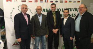 JAV lietuviai paragino ambasadorių V. Ušacką dalyvauti prezidento rinkimuose