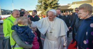 Prezidentė išlydėjo Popiežių Pranciškų